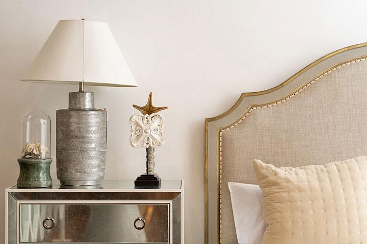 stylowe dodatki w sypialni glamour