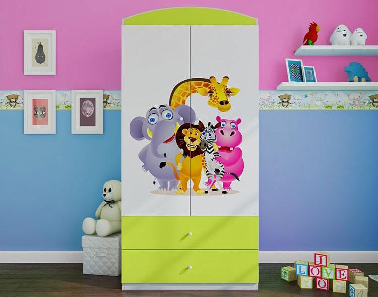 kolorowa dwudrzwiowa szafa w pokoju dla dzieci