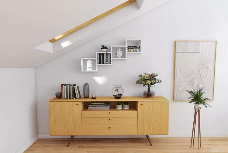 białe wiszące półki w stylu skandynawskim