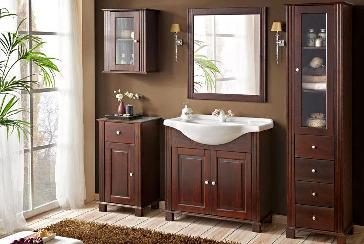 lustro łazienkowe z drewnianą ramą w komplecie z zestawem mebli łazienkowych
