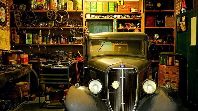 wnętrze garażu