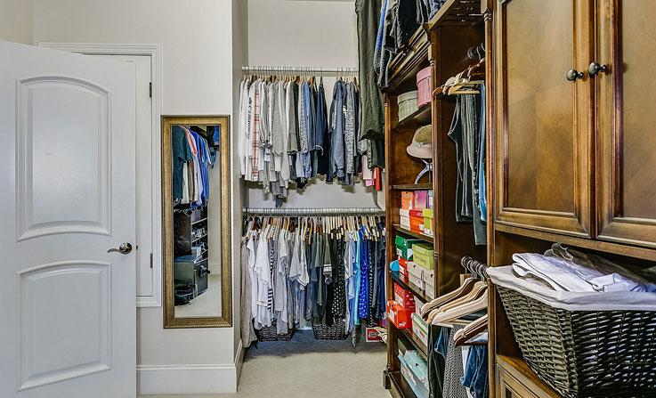 aranżacja małej garderoby